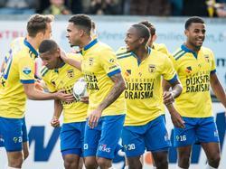 SC Cambuur juicht nadat Furdjel Narsingh zijn ploeg gelijk heeft gebracht in het duel met ADO Den Haag. (25-10-2015)