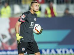 Rafał Gikiewicz steht jetzt für den SC Freiburg zwischen den Pfosten