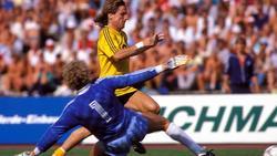Frank Mill sorgte im Trikot des BVB für einen legendären Fehlschuss