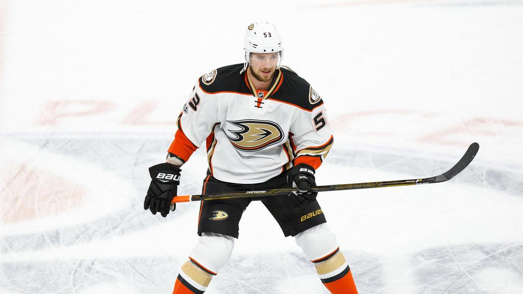 Korbinian Holzer steht bei den Anaheim Ducks unter Vertrag