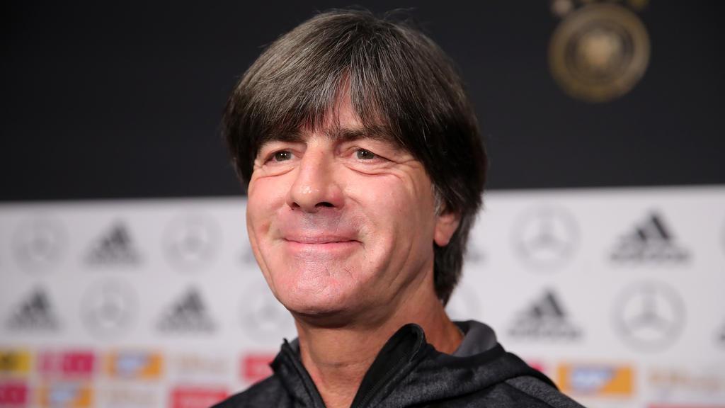 Joachim Löw unterstützt die deutschen Handballer