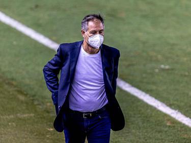 Ariel Holan no volverá a ocupar el banquillo de Santos.