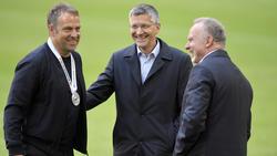 Die Verantwortlichen des FC Bayern haben sich erneut im Goldenen Buch verewigt