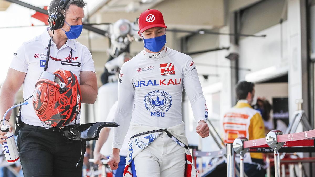 Nikita Mazepin tut sich im Haas VF-21 schwer: Schuld ist vor allem das Heck