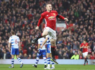 Rooney brinca para celebrar su tanto en la FA Cup. (Foto: Getty)