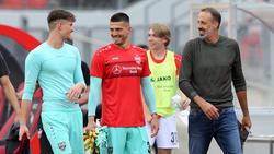 Fabien Bredlow (M.) schielt in Stuttgart noch auf einen Stammplatz