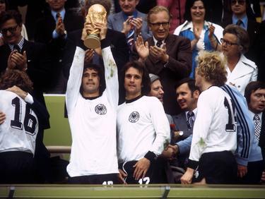 Gerd Müller (l.) feierte 1974 den WM-Titel