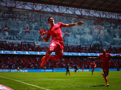 Fernando Uribe brilló con un triplete para llevar a su equipo a la final. (Foto: Getty)