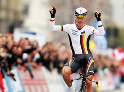 TonyMartin bejubelt den Zeitfahrweltmeistertitel 2011