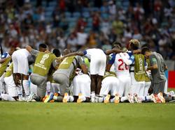 Nach ihrem WM-Debüt finden sich Panamas Spieler im Mittelkreis zusammen