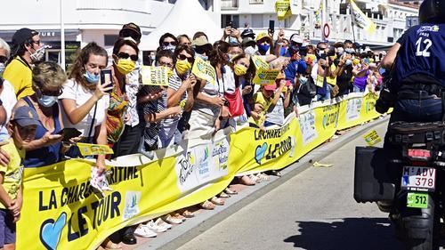 Die Fans bei der Tour de France hielten sich größtenteils an die Maskenpflicht