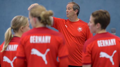 Bundestrainer Henk Groener sitzt in Quarantäne