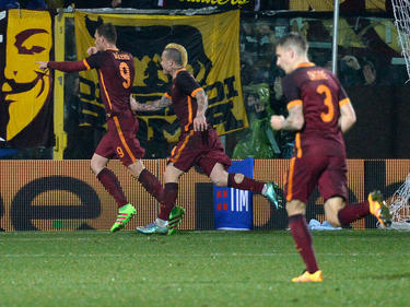 Edin Dzeko puso por delante a los romanos en el minuto 84. (Foto: Getty)