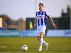 Stephen Warmolts heeft balbezit tijdens het oefenduel sc Heerenveen - Sint Truiden. (07-01-2015)