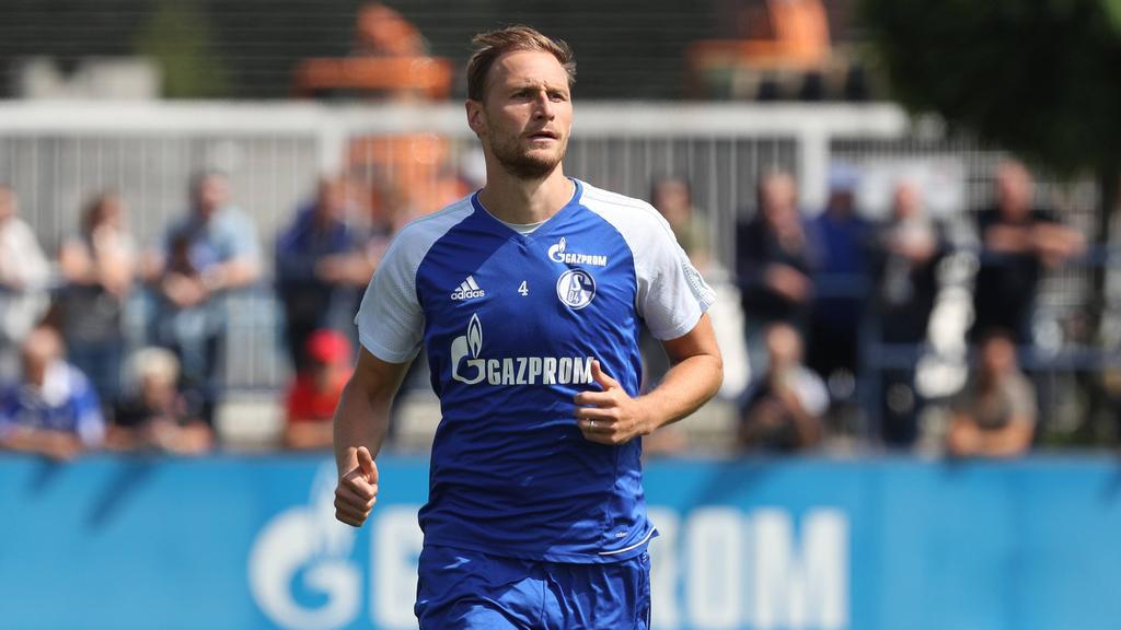 Benedikt Höwedes - hier noch im Dress der letzten Saison - trainiert derzeit wieder auf Schalke