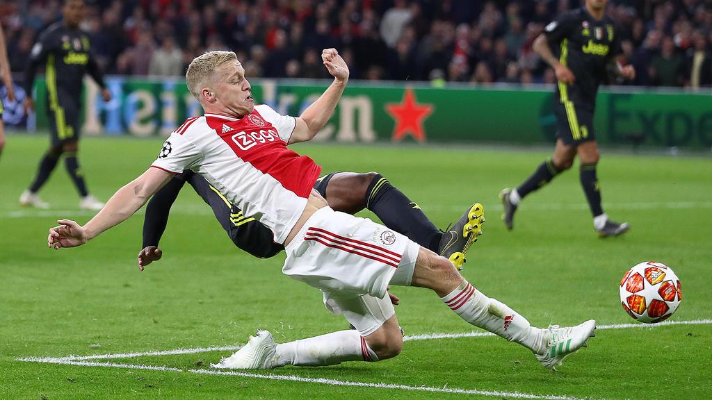 Donny van de Beek steht nicht nur beim BVB auf der Wunschliste