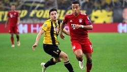 Konstantinos Galanopoulos (l.) im Duell mit Thiago vom FC Bayern