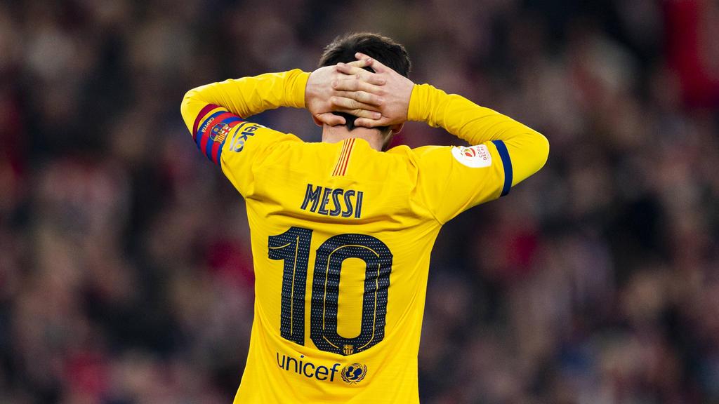 Messi se lamenta tras la derrota en San Mamés.