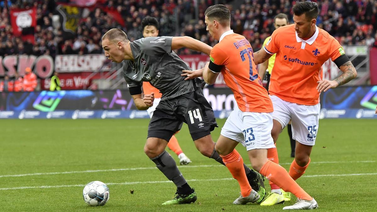 Der SV Darmstadt dreht in Überzahl die Partie in Nürnberg