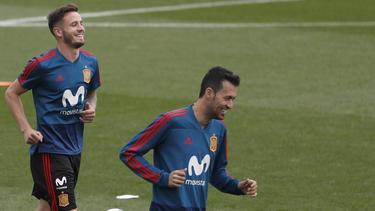 Saúl y Busquets en un entrenamiento de la Roja. (Foto: Getty)