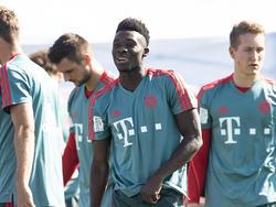 Davies con el Bayern en pretemporada en Qatar. (Foto: Getty)