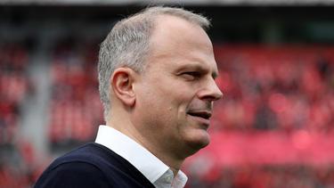 Schalke-Sportvorstand Jochen Schneider springt Amine Harit zur Seite