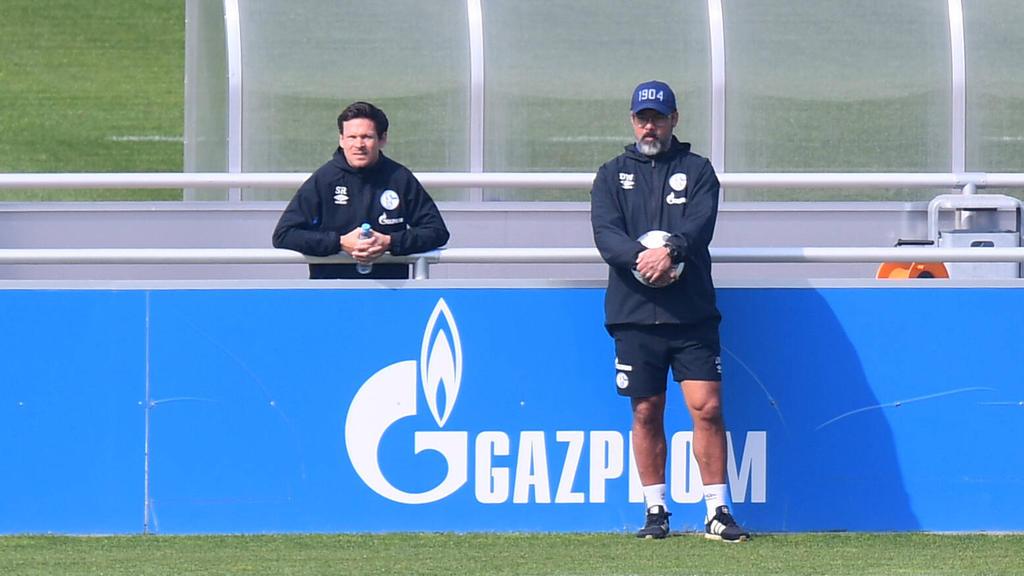 Sascha Riether (l.) blickt beim FC Schalke