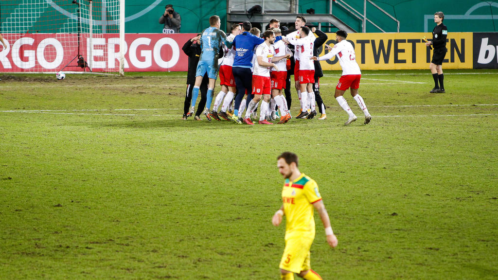 Regensburg siegte im Elfmeterschießen
