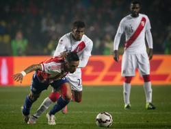 Carlos Ascues (M.) spielte bei der Copa América für Peru