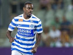 Elvio van Overbeek debuteert namens De Graafschap tijdens het competitieduel met VVV-Venlo (26-08-2016).