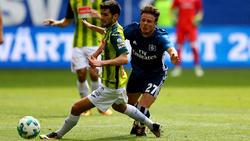 Aarón Caricol (l.) sthet kurz vor einem Wechsel zum FSV Mainz 05