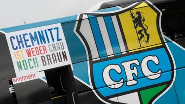 Neuer Slogan auf dem Chemnitzer Mannschaftsbus