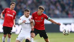 Künftig vereint? Ante Rebic von Eintracht Frankfurt und Hannovers Waldemar Anton