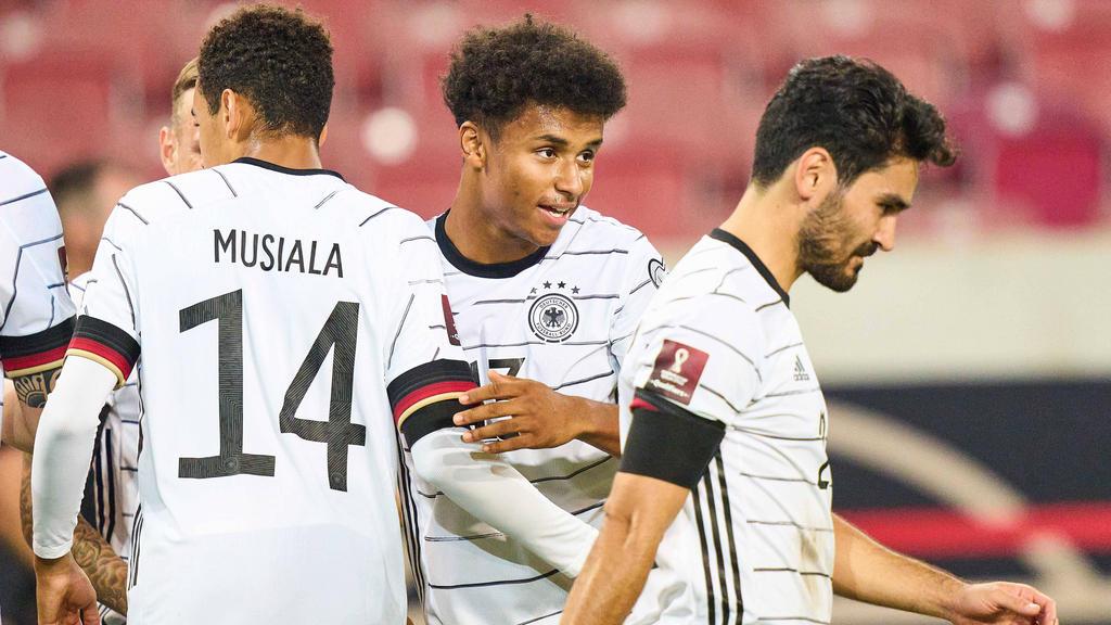 Karim Adeyemi (M.) wird beim FC Bayern gehandelt