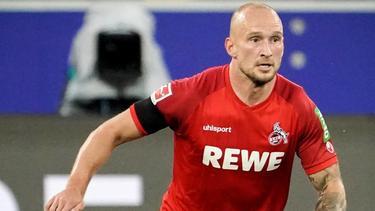 Würde gern länger beim FC Köln bleiben: Toni Leistner am Ball
