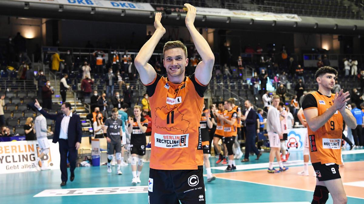 Die BR Volleys konnte sich nach dem Spiel vor Zuschauern feiern lassen