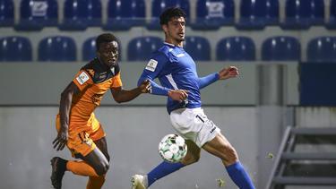 Guilherme Ramos (r.) wechselt zu Arminia Bielefeld