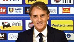 Italiens Trainer Roberto Mancini bevorzugt Azurblau