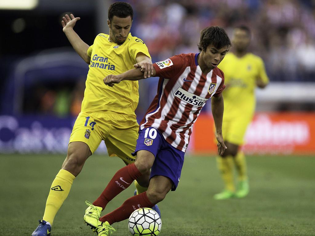 Óliver Torres (r.) spielt künftig in Portugal