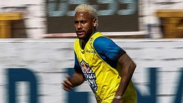 Neymar con su nuevo cambio de look.