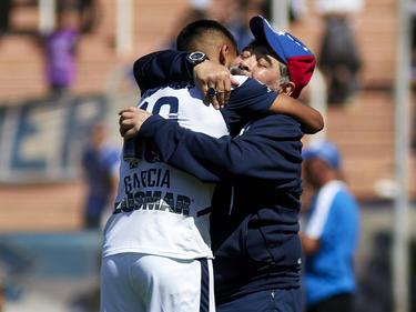 Maradona consigue un nuevo triunfo con sus muchachos.