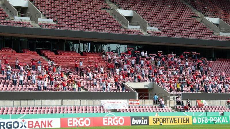 Der 1. FC Köln plant zum ersten Spiel in der Bundesliga mit 9200 Zuschauern
