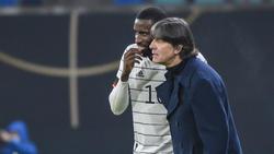 Joachim Löw (r.) wird unter anderem noch Antonio Rüdiger bei der Nationalmannschaft begrüßen