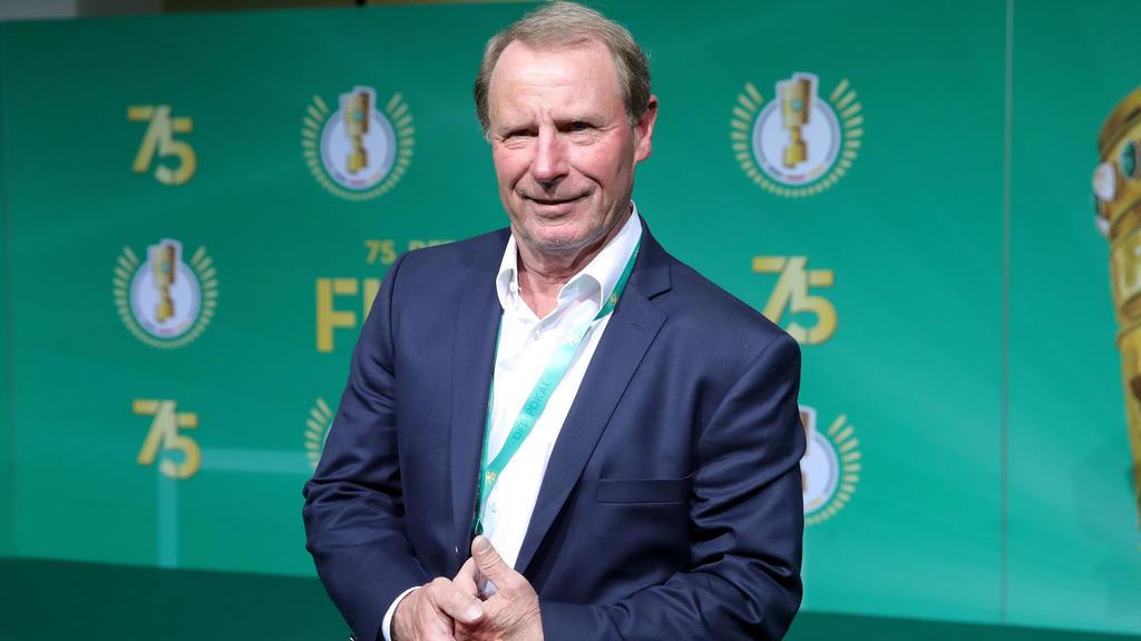 Berti Vogts kritisiert DFB für Trainingslager in Venlo