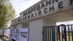 """Auf diesem Tor wurde das Schalker """"Grabkreuz"""" aufgestellt (Symbolbild)"""