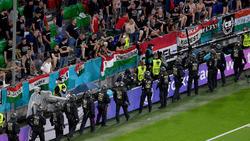 Die Polizei zeigte auch während des Spiels Präsenz