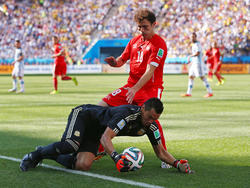 Romero macht den Ball fest