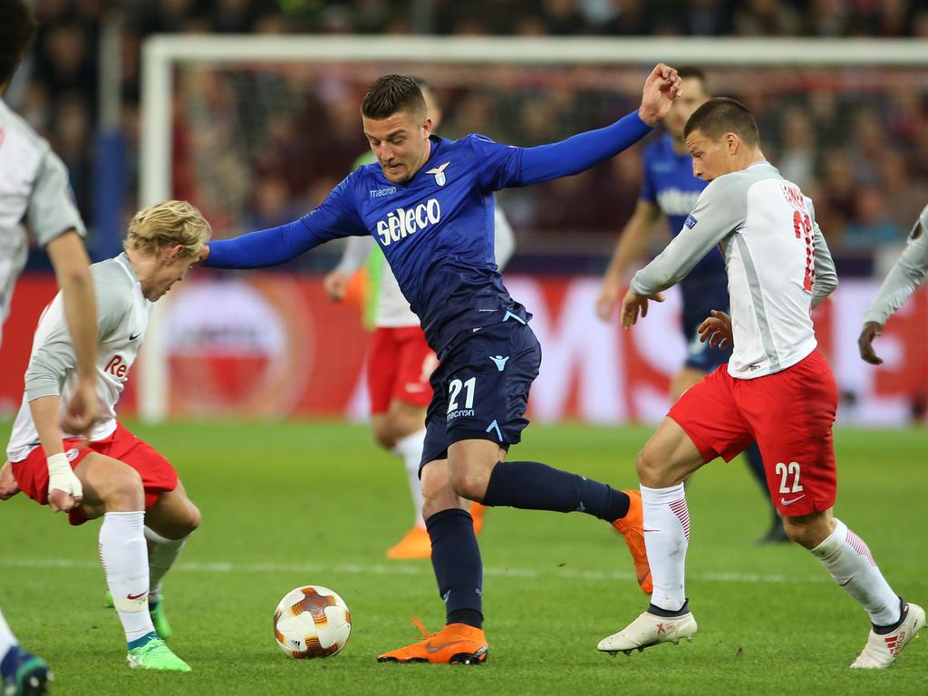 Milinkovic-Savic haciendo un regate en la Europa League. (Foto: Getty)