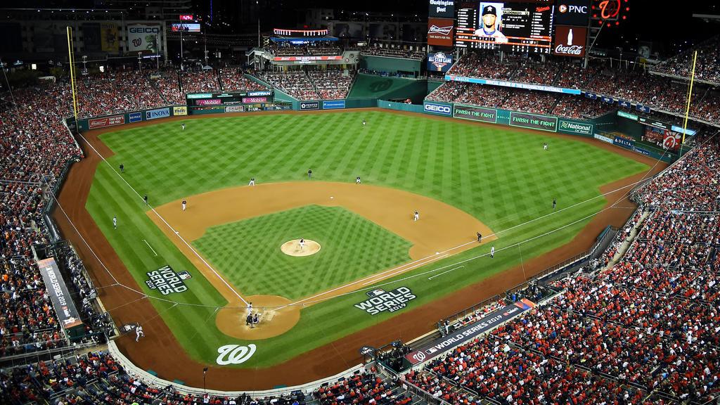 Nackte Tatsachen beim Baseball führen zu Stadionverbot