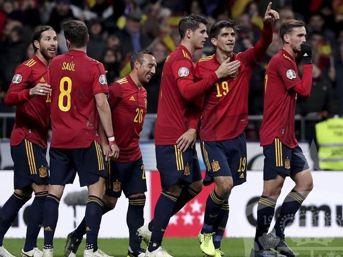 España goleó ante su público en el Wanda Metropolitano.